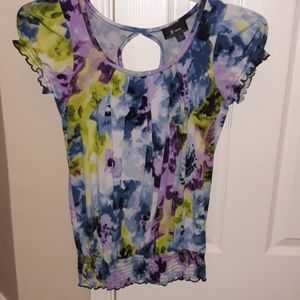 Multicolor blouse with keyhole back